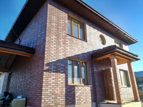 Классический дом с тремя перекрытиями и четырехскатной кровлей